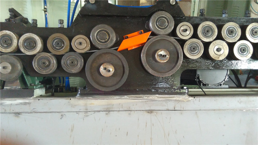 Automatska mašina za savijanje stremena